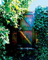 secret-garden-festival-door